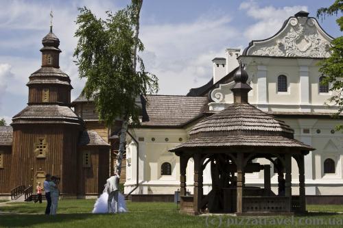 Батуринская цитадель, как и дворец, популярна среди молодоженов