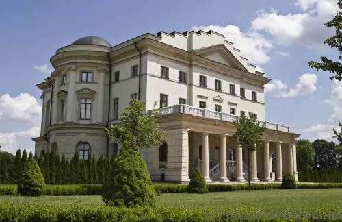 Дворец Кирилла Разумовского в Батурине