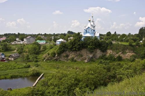 Виды от замка - деревянная церковь Косьмы и Дамиана