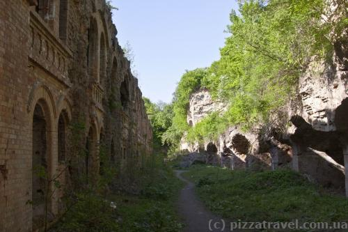 Tarakaniv Fort