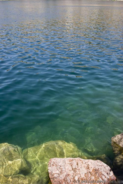 The water in the quarry is quite clear.